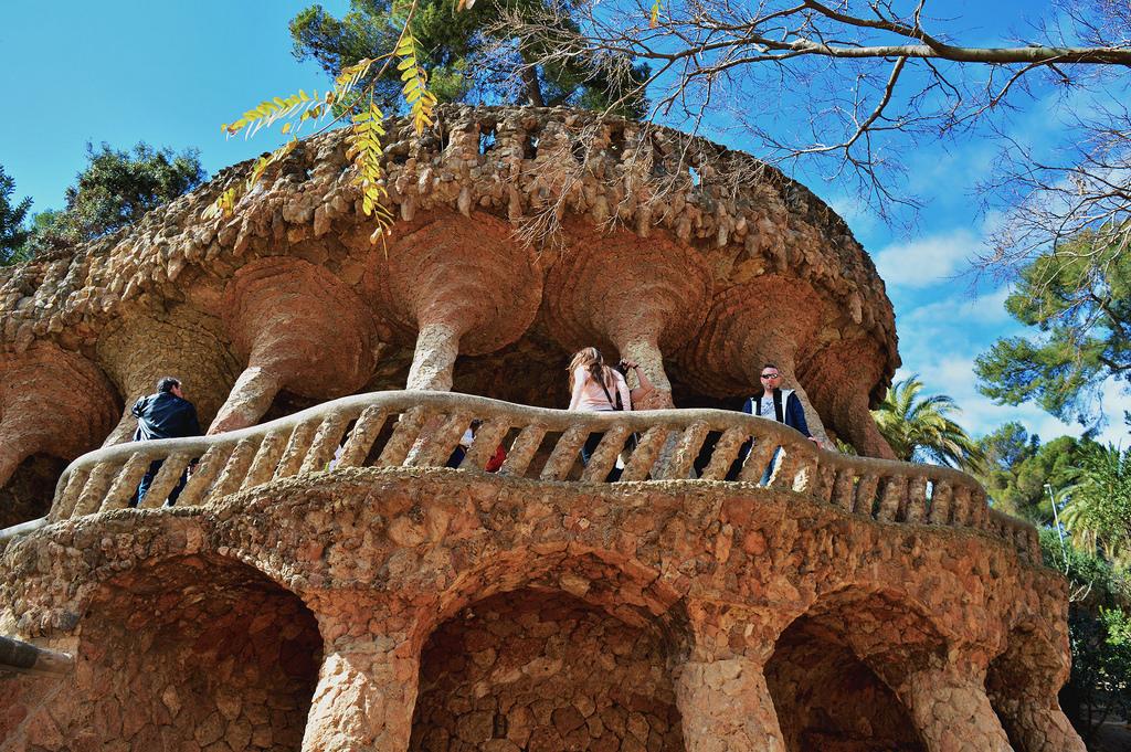 A Look Inside Park Guell Gaudis Barcelona Modernista Roselinde